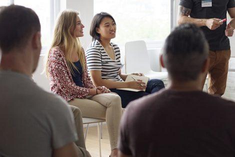 Sprachseminar oder Sprachtraining in der Gruppe für Privatkunden