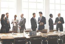 Kurse im Unternehmen, Mitarbeiter erlernen Fremdsprachen und weitere Kompetenzen mit educom