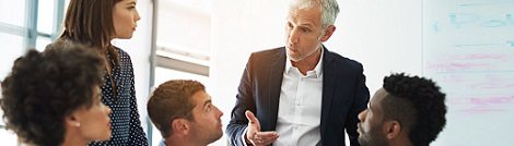 Business Seminare bei educom - Führen im Team ohne Vorgesetztenfunktion